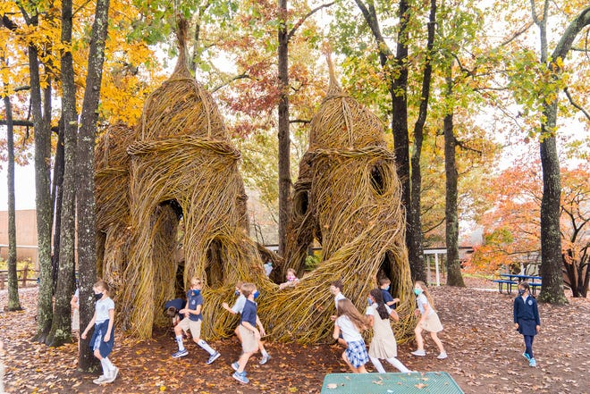 New sculpture at Christ Church Episcopal School generates excitement among students.