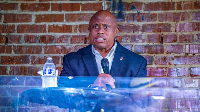 Lafayettye City Marshall candidate Reggie Thomas speaks about what he will do if he gets elected to the office Thursday, Nov. 19, 2020.