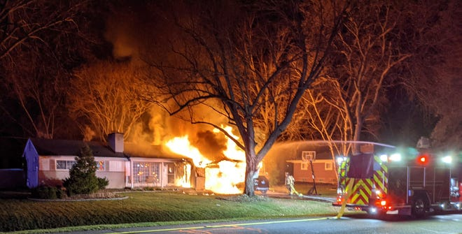 Farmington Hills firefighters battled a Kendallwood Drive fire early Saturday morning.