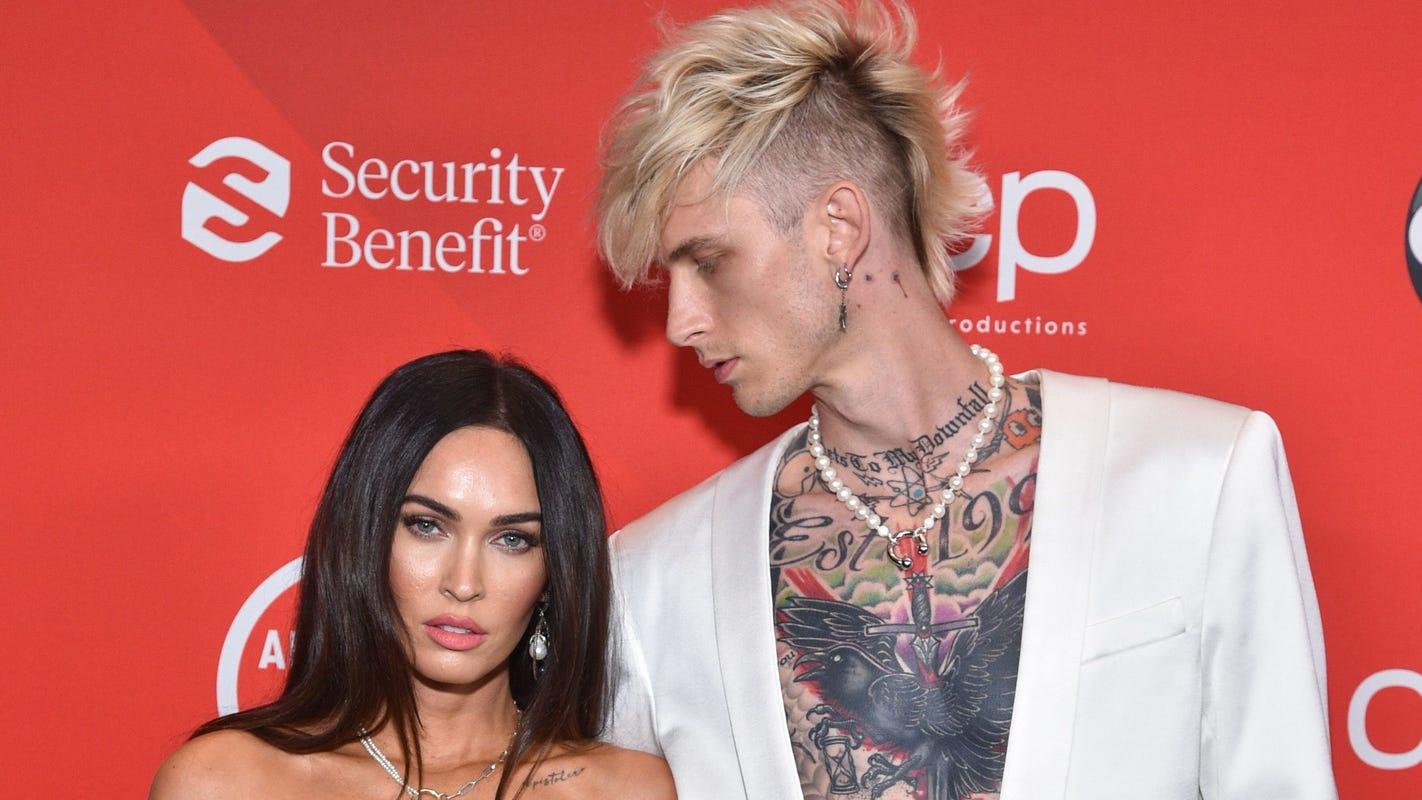 'My bloody valentine': Machine Gun Kelly says on Instagram he wears Megan Fox's blood around his neck - USA TODAY
