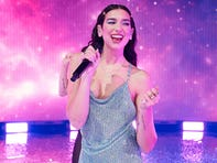 "In this handout image courtesy of ABC British singer Dua Lipa performs during the 2020 American Music Awards at the Microsoft theatre on November 22, 2020 in Los Angeles. (Photo by - / American Broadcasting Companies, Inc. / ABC / AFP) / RESTRICTED TO EDITORIAL USE - MANDATORY CREDIT ""AFP PHOTO / Courtesy of ABC"" - NO MARKETING - NO ADVERTISING CAMPAIGNS - DISTRIBUTED AS A SERVICE TO CLIENTS (Photo by -/American Broadcasting Companies,/AFP via Getty Images) ORG XMIT: 0 ORIG FILE ID: AFP_8VP4Y2.jpg"