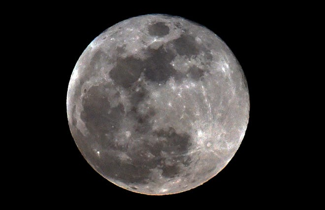 The Beaver Moon will be viewable Sunday and early Monday.