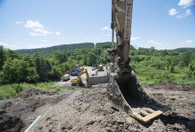 Construction on Shell's Falcon Pipeline begins last year. The Shell Pipeline Company has completed a project to better protect drinking water along a section of the Falcon Pipeline route.