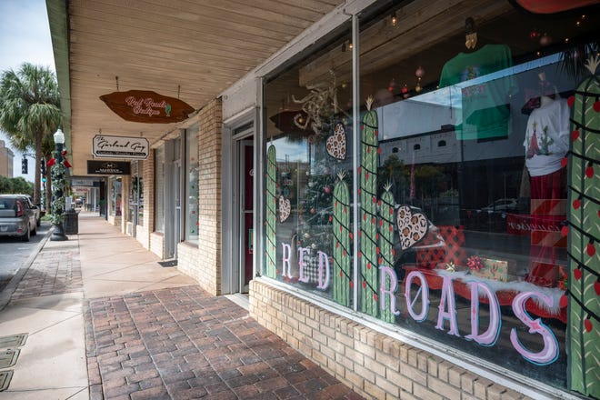 Downtown Leesburg businesses are preparing for Black Friday and Small Business Saturday sales. [Cindy Peterson/Correspondent]
