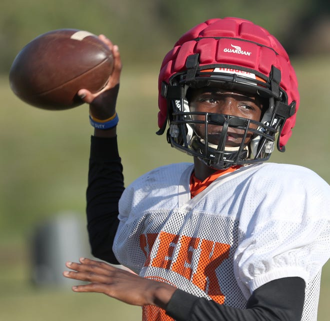 Damarcus Creecy, a 6-foot-1, 160-pound sophomore, has thrown 10 touchdown passes in three starts as Spruce Creek's quarterback.