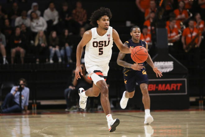 Ethan Thompson (5) and the Oregon State men's basketball team open the season Wednesday at home against California.