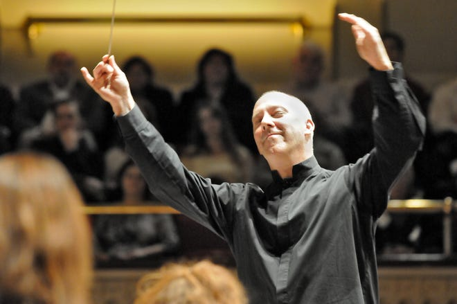 Christopher Shepard will lead soloists accompanied by instrumentalists from the Worcester Festival Chamber Ensemble for the 'Virtual Messiah Sing.'