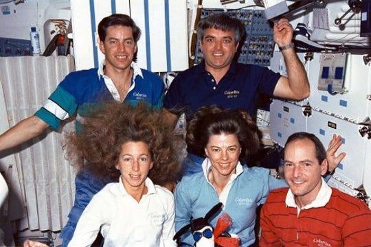 STS-32 Crew with Snoopy