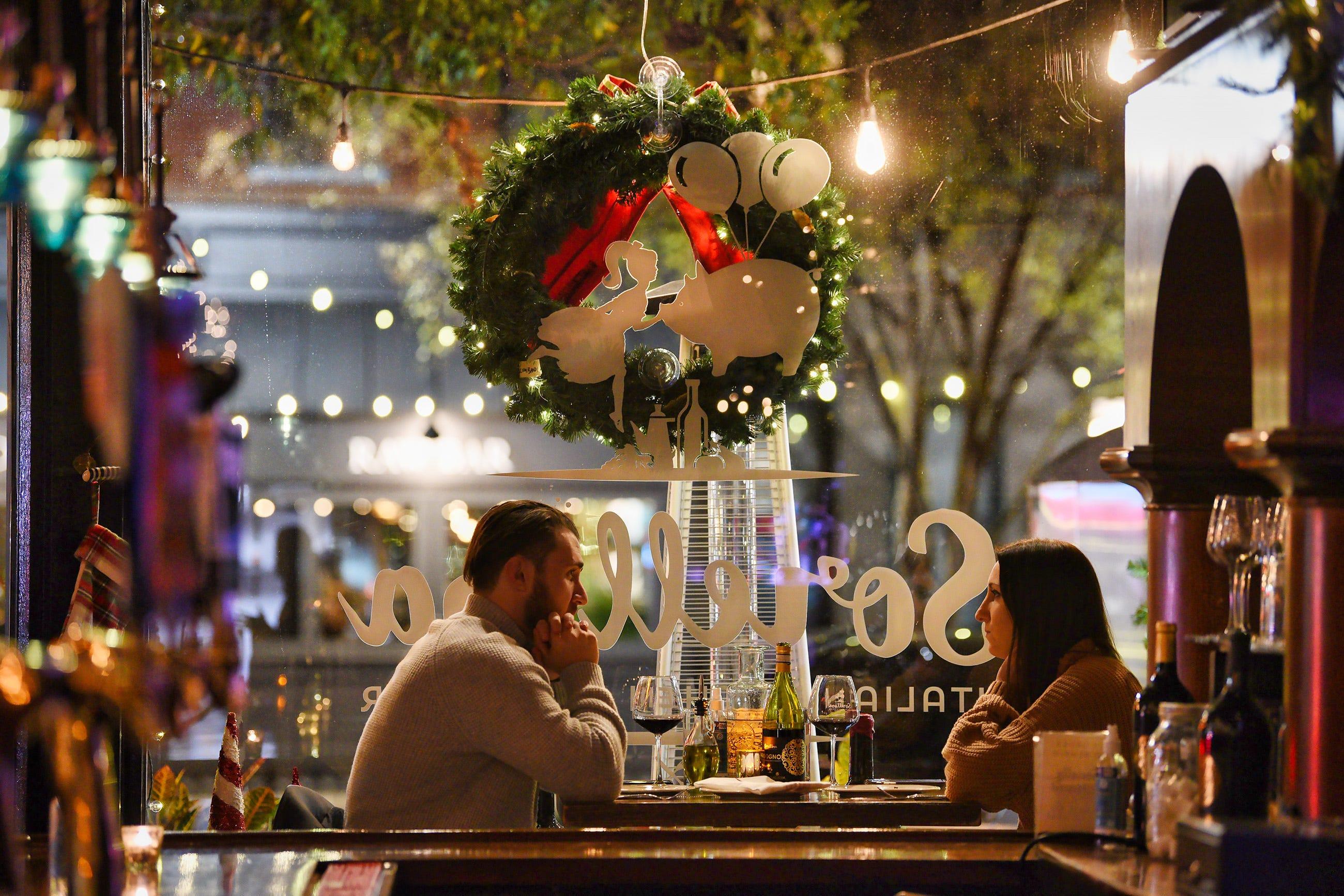 Nj Restaurants With Stunning Holiday Decorations