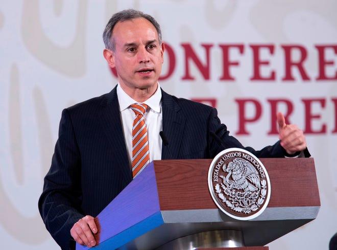 Fotografía cedida que muestra al subsecretario de Salud Hugo López-Gatell en conferencia de prensa este martes, en Palacio Nacional, en Ciudad de México.