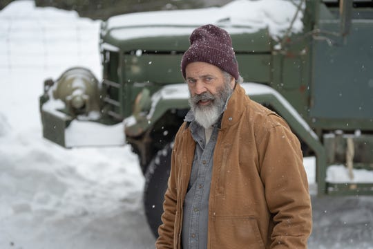 """Chris Cringle (Mel Gibson) finishes off his night of global gift-giving when he's targeted by an assassin in """"Fatman."""""""