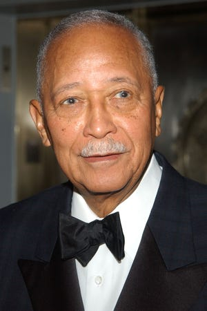 n cj243t2vvprm https www recordonline com story news nation 2020 11 23 david dinkins dies new yorks first african american mayor 93 6404290002
