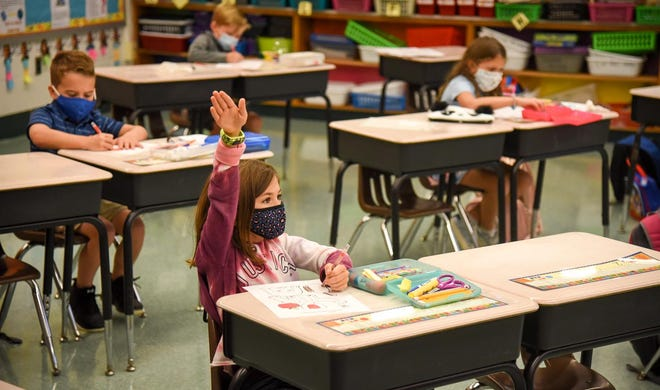 The Neshaminy School District will start a four-day-a-week classroom option at its elementary schools on Monday.