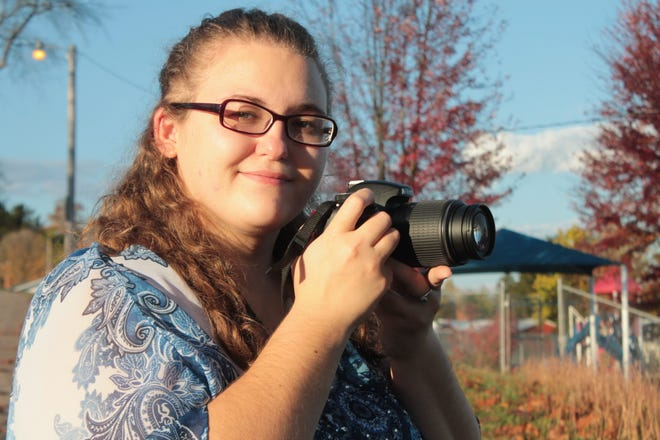 Alyssa Burrell enjoys landscape and nature photography.