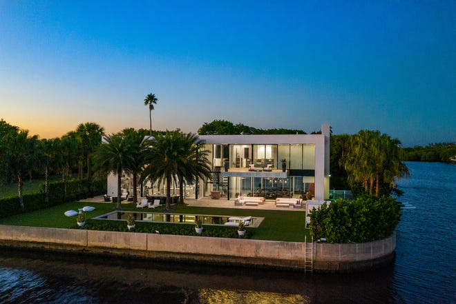 On the southeast tip of Ibis Isle, this contemporary-style house changed hands last week for a recorded $7 million, property records show.