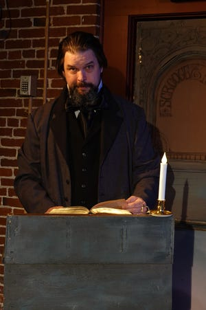 """Christopher Savage stars in an online solo performance of """"A Christmas Carol"""" at the Players' Ring, keeping a longtime holiday tradition alive."""