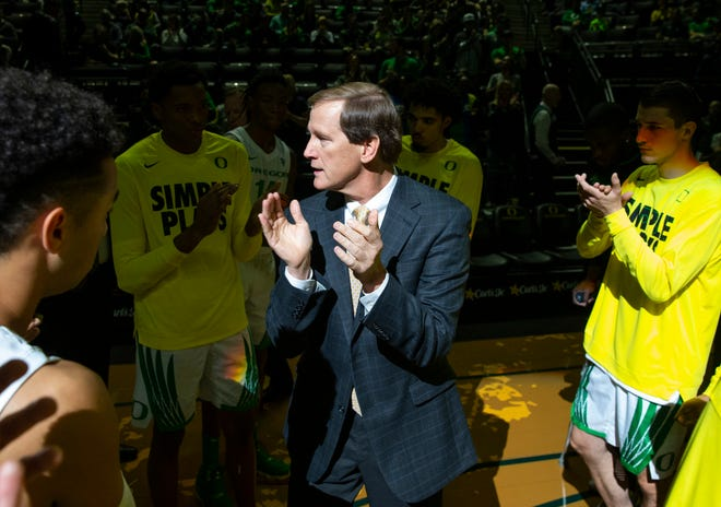 Coach Dana Altman and the rest of the Oregon men's basketball team will open Pac-12 play on Dec. 12 at Washington. (Chris Pietsch/The Register-Guard)