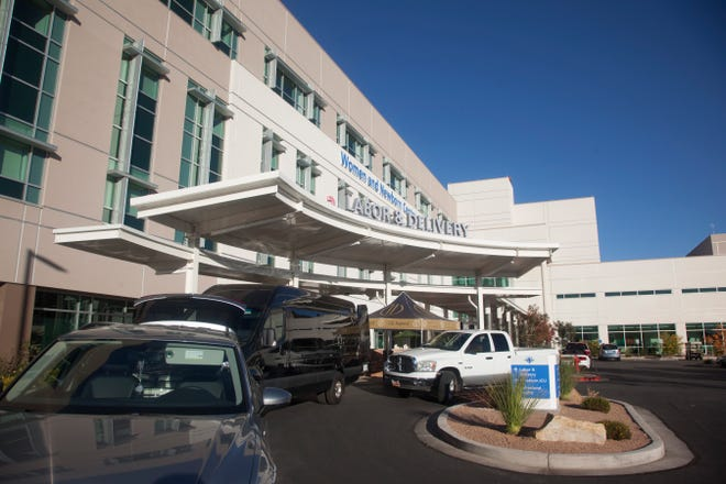 Volunteers arrive for an event at Intermountain St. George Regional Hospital in this file photo from Tuesday, Nov. 24, 2020.