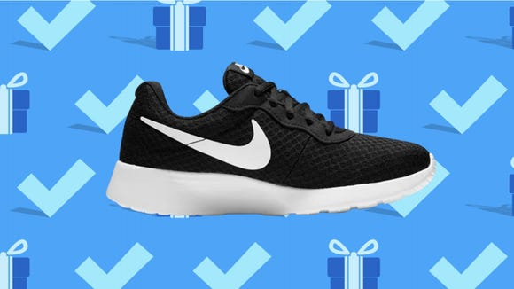 Black Friday 2020: Nike Women's Tajun Sneakers.