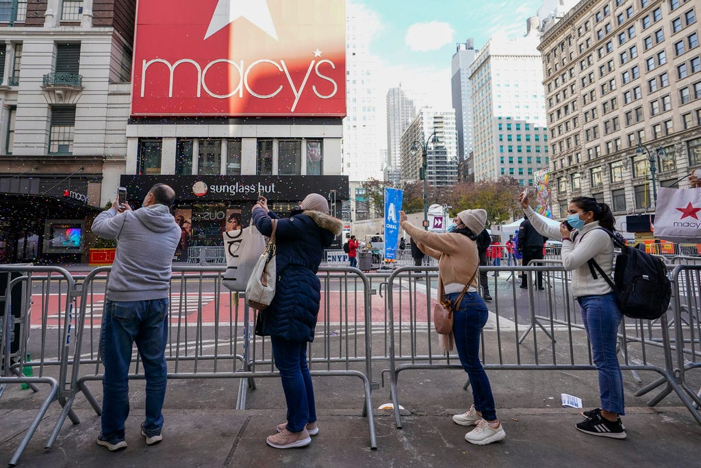 Coronavirus updates: Thanksgiving parade goes on without crowds; Supreme Court blocks NY worship restrictions; CDC projects 321K deaths