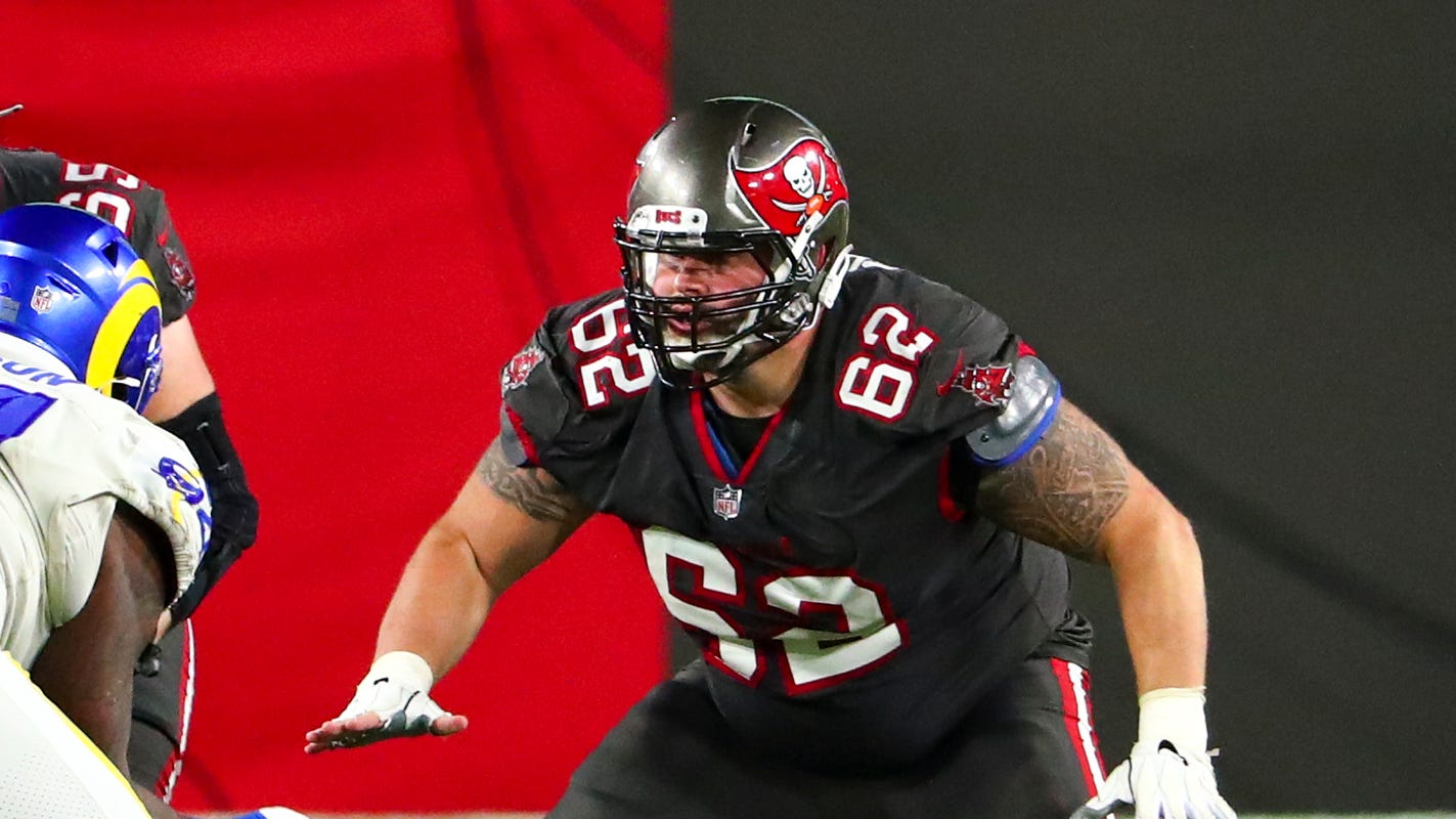 Buccaneers' lineman A.Q. Shipley may have suffered career-ending injury, Bruce Arians says