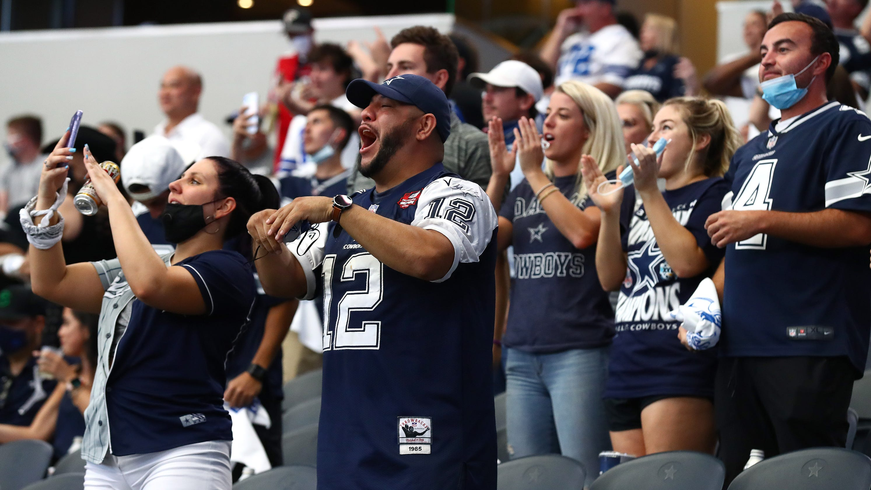 'It really makes me anxious': Cowboys could have more than 30,000 fans at Thanksgiving game