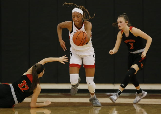 Alexia Mobley, dribbling upcourt against Worthington Christian while playing for Whitehall last season, is a Louisville commit who will return to Reynoldsburg for her junior season.