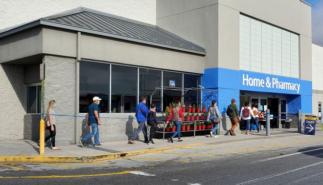 Rising coronavirus cases in Onslow County are not stopping most shoppers from taking advantage of the Black Friday deals, even if places are offering the sales online.