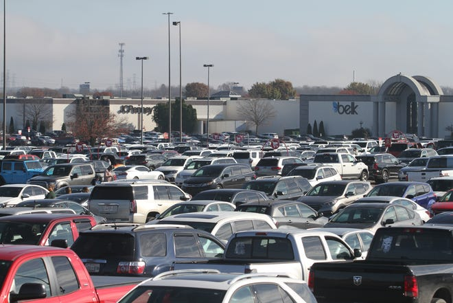 The parking lot at Governor's Square Mall on Friday, November 27, 2020.