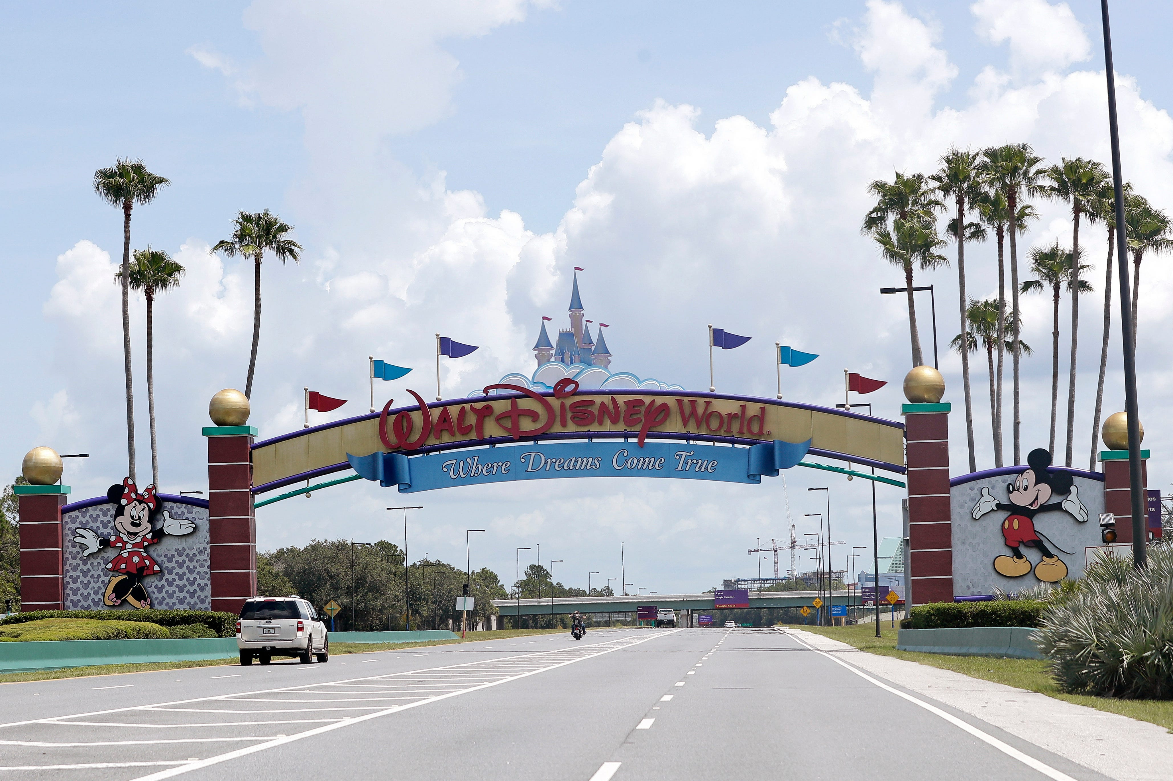 Florida theme parks loosen mask requirements as more people get vaccinated 1
