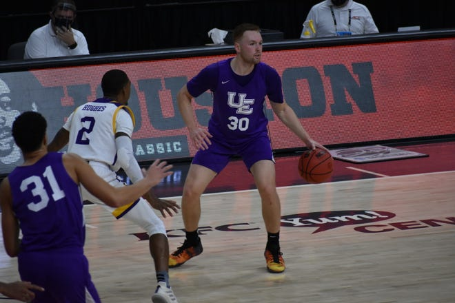 Noah Frederking had a team-high 20 points in Friday's loss to Prairie View A&M.