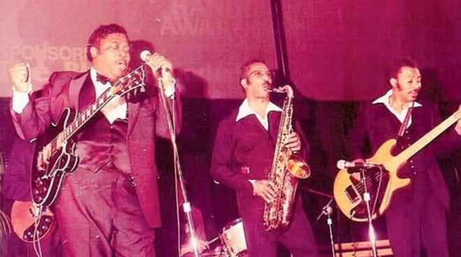 Herman Green performing with B.B. King at the Handy Awards in the 1970s. Green had first worked with King in the early 1950s.