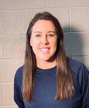 Katie Smith ha sido nombrada entrenadora en jefe del equipo de fútbol femenino de Siegel High.
