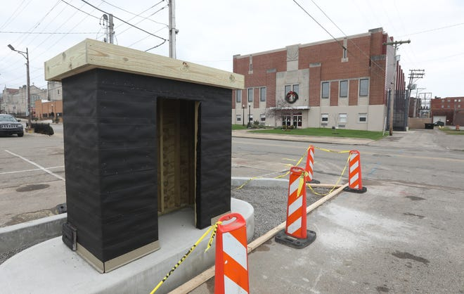 A new kiosk for Zanesville residents to pay for city services is under construction near Secrest Auditorium.