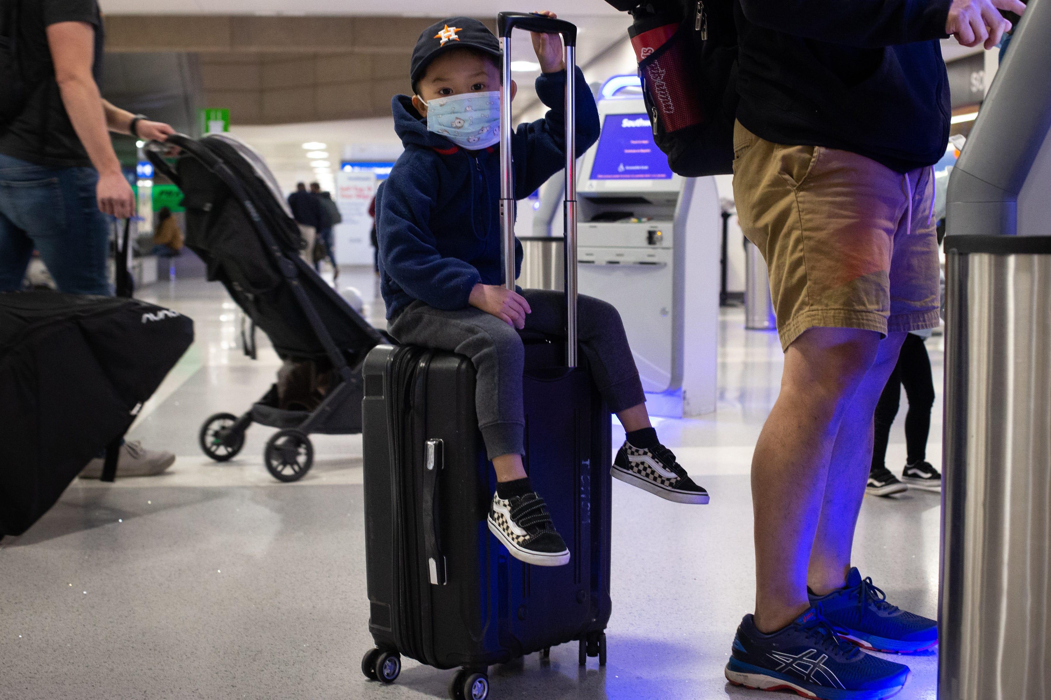 Holiday travel rush begins: TSA screened more than 1 million passengers Friday