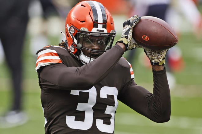 Browns safety Ronnie Harrison warms up before the Browns played the Houston Texans on Nov. 15 at FirstEnergy Stadium in Cleveland. (AP Photo/Ron Schwane)