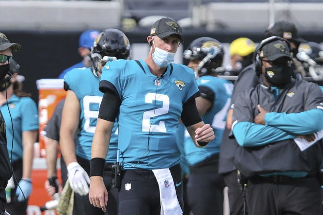 Jaguars quarterback Mike Glennon (2) looks on during the first half of a Nov. 8 game against Houston. Glennon is expected to make his first Jaguars start Sunday.