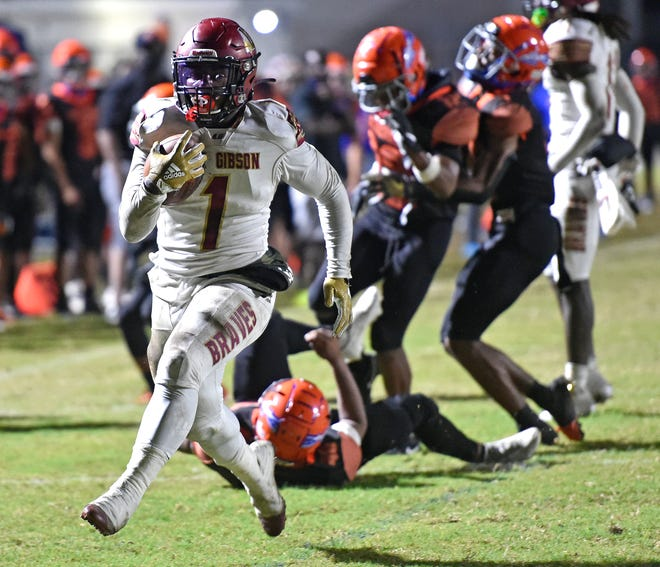 Lake Gibson, led by Jaylon Glover, will visit Palmetto on Friday for the Class 6A-Region 3 final. Lake Gibson defeated Southeast, while the Tigers handled Tampa Hillsborough on the road.