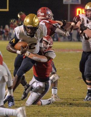 St Thomas Aquinas' Anthony Hankeron runs for a touchdown last week against Manatee High at Joe Kinnan Field at Hawkins Stadium in Bradenton. Hankerson will be one of the main weapons the Venice High football team will need to stop in Friday's Class 7A-Region 4 final in Fort Lauderdale.