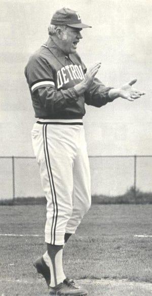 Bob Miller melatih bisbol selama hampir empat dekade di Detroit Mercy.