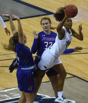 Nevada's Da'Ja Hamilton scored 17 points against Sacramento State on Saturday.