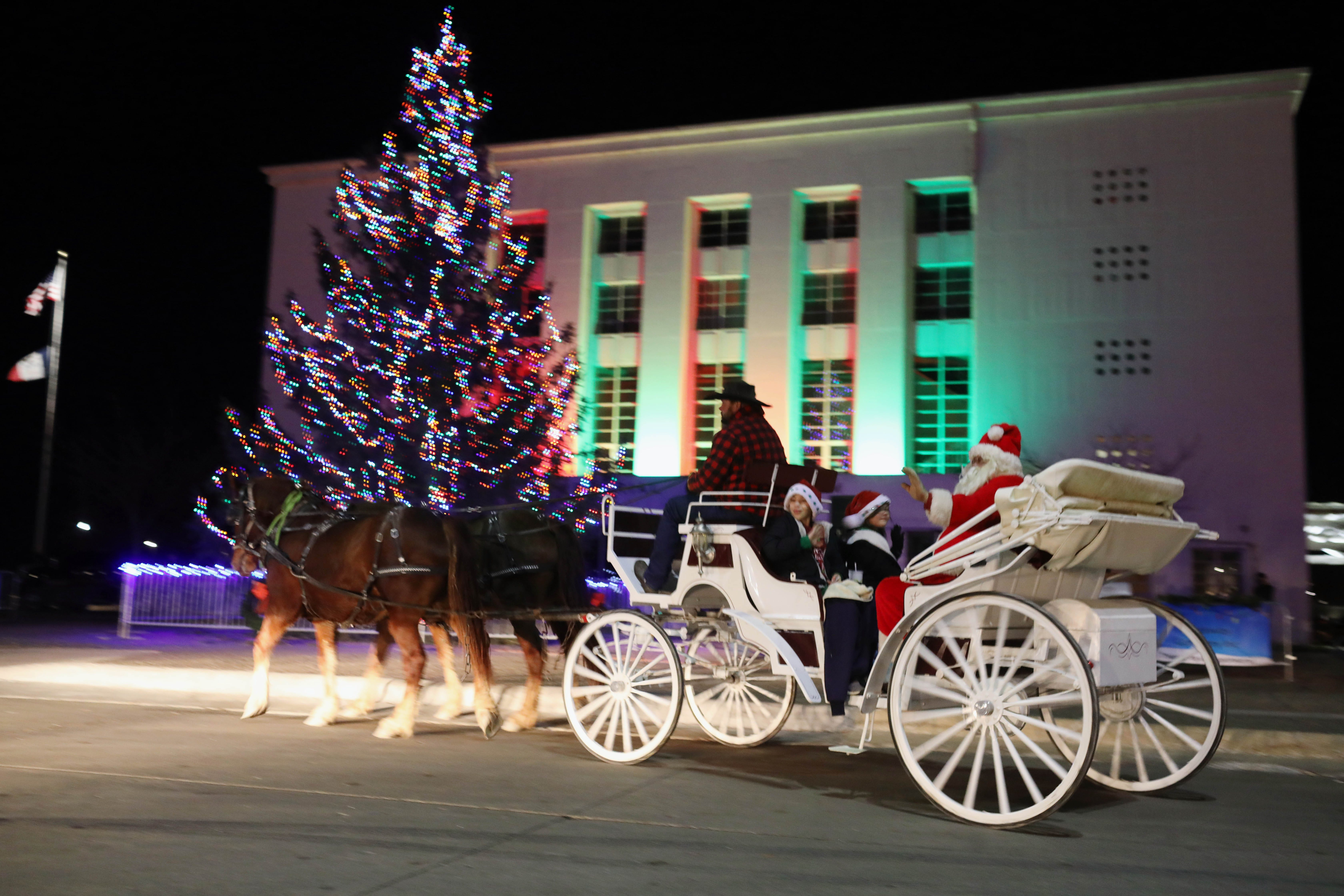 Burlington S Christmas Tree Lights Up Hearts And Minds