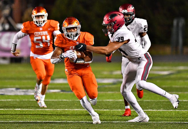 Central York's Isaiah Sturgis runs the ball while St. Joseph's Prep defends during PIAA Class 6-A football championship action at Hersheypark Stadium in Hershey, Saturday, Nov. 28, 2020. There has been a proposal to have an earlier start to the fall high school sports season. That idea has not met with approval from the PIAA strategic planning committee.