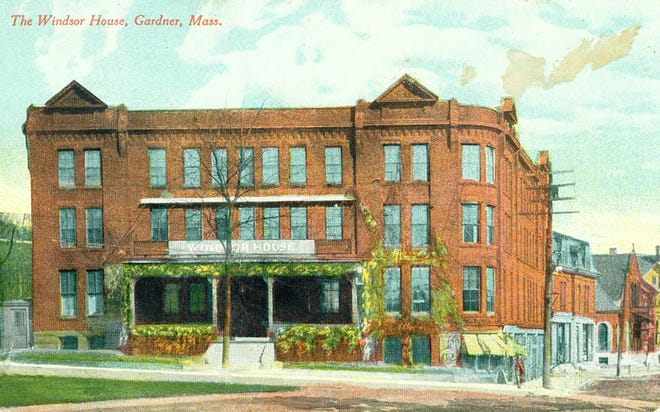 A postcard of the Windsor House.