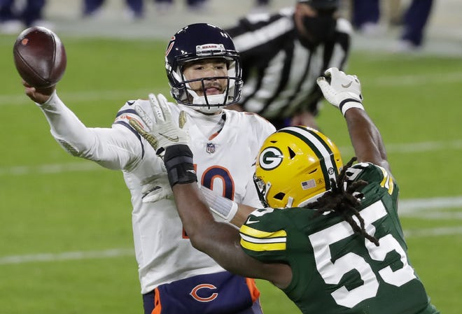 Green Bay Packers outside linebacker Za'Darius Smith (55) pressures Chicago Bears quarterback Mitchell Trubisky (10) during the second quarter on Sunday, November 29, 2020, at Lambeau Field in Green Bay, Wis.