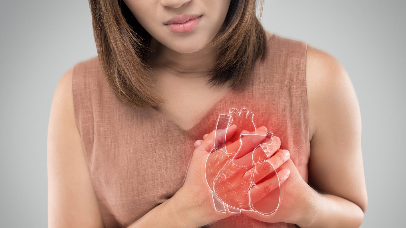 Women are more likely than men to develop heart failure or die after a heart attack, study says