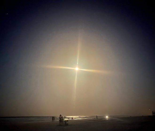 Full moon at Crescent Beach.