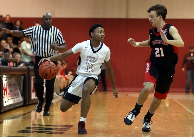 Senior guard Mario Davis and Harvest Prep are maintaining their high expectations after reaching a Division III regional final last season. The Warriors, however, lost all-time leading scorer Christopher Anthony to graduation.