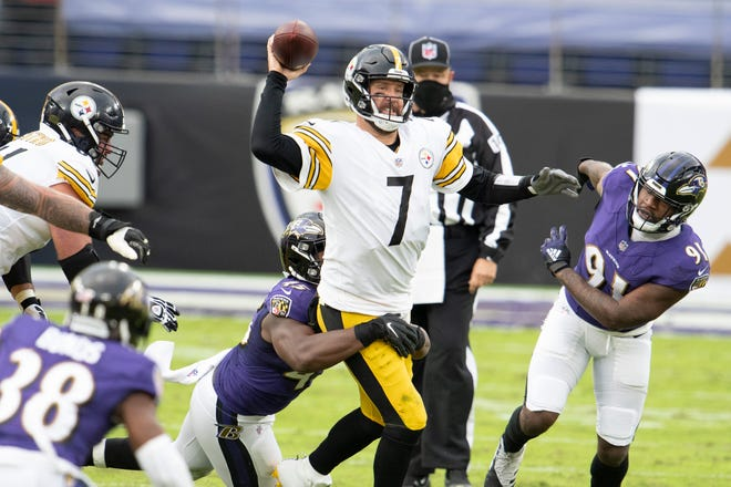 Pittsburgh Steelers quarterback Ben Roethlisberger (7) throws under pressure during the second half against the Baltimore Ravens at M&T Bank Stadium.