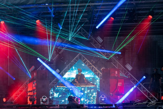 "A DJ entertains at a ""vertical concert"" in October at the Bahia Mar Fort Lauderdale Beach hotel in South Florida. The company that pioneered the new concept will be presenting a New Year's Eve show for guests at the Hilton Daytona Beach Oceanfront Resort."
